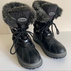 Khombu Winter Faux Fur Lace Up Boots Size 8